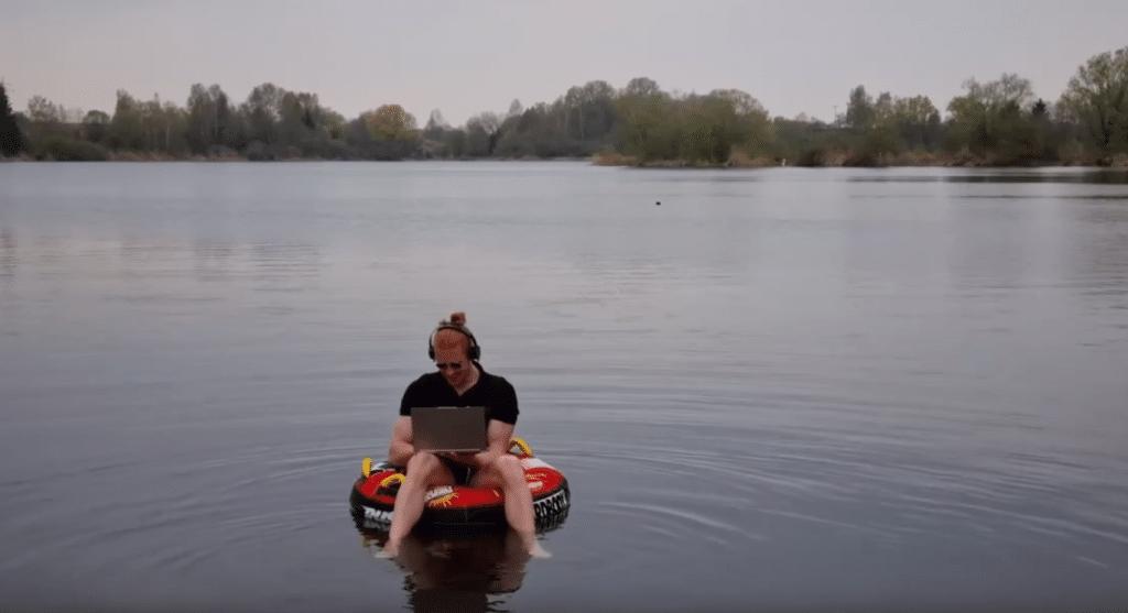 Joshua auf dem Wasser (Jubiläumsfeier)